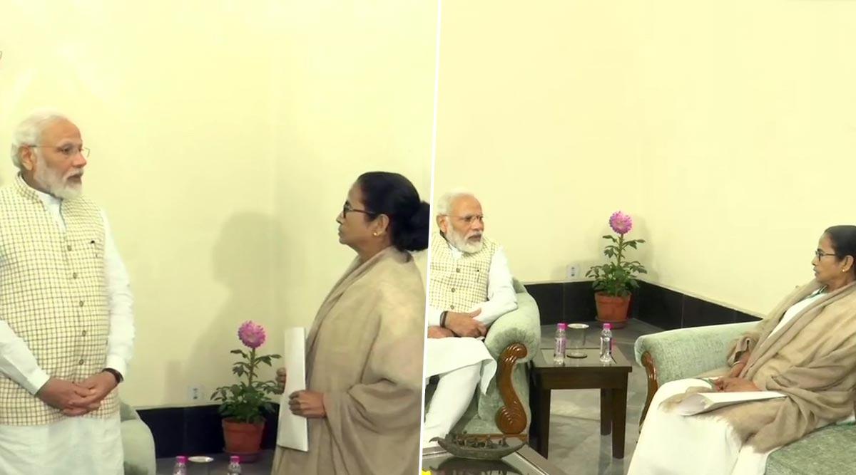 विरोध के बावजूद कोलकाता पहुंचे प्रधानमंत्री, ममता बनर्जी से की मुलाकात; सड़क पर लगे 'गो बैक मोदी' के पोस्टर