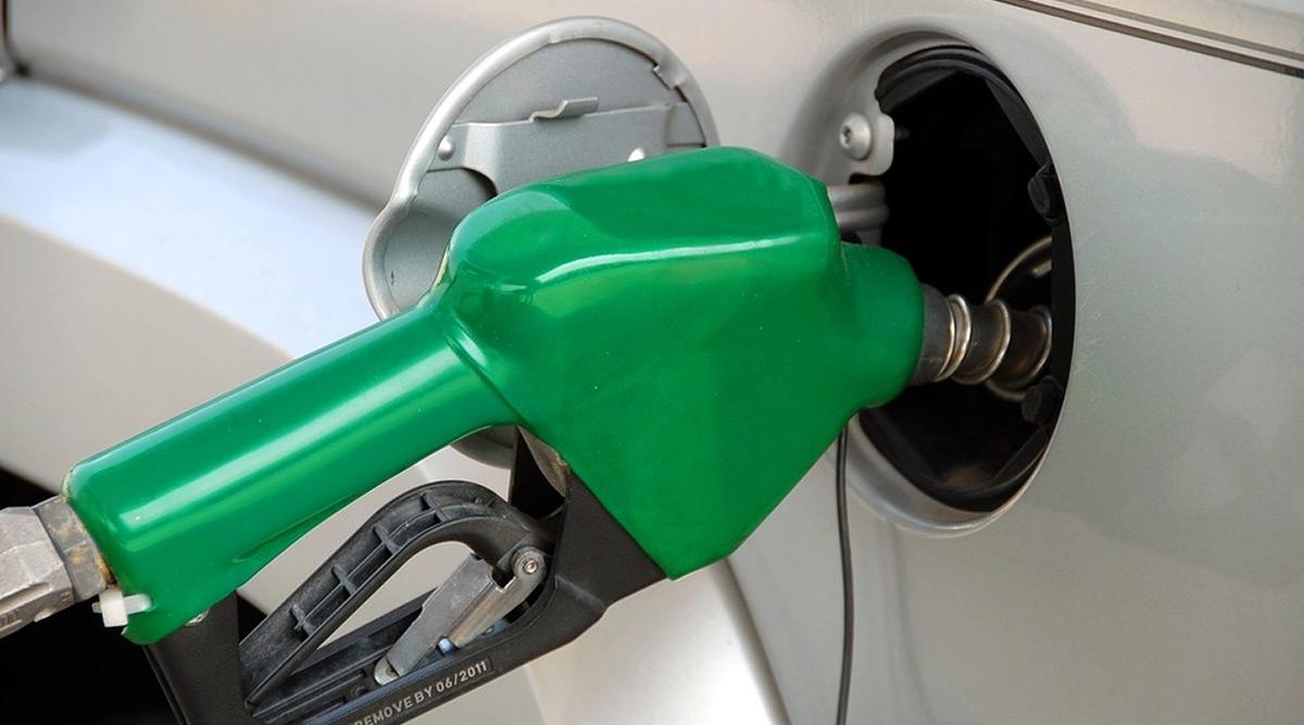 पेट्रोल-डीजल के दाम लगातार चौथे दिन भी बढ़े, केंद्रीय पेट्रोलियम मंत्री धर्मेंद्र प्रधान ने कही ये बड़ी बात