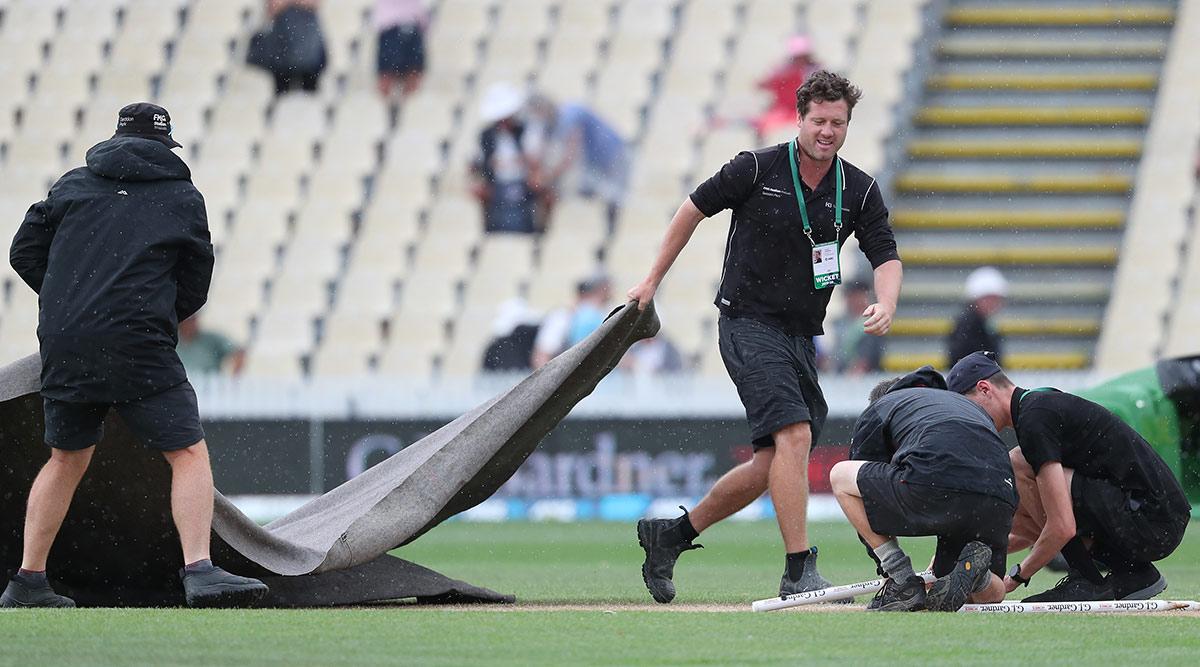 IND vs SL 1st T20 Match 2020: गुवाहाटी में हो रही है झमाझम बारिश, मैच शुरू होने में हो सकती है देरी