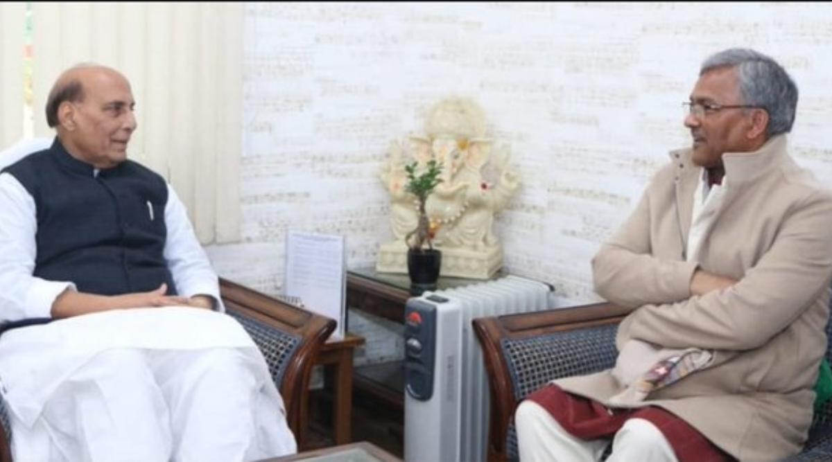 उत्तराखंड: रक्षा मंत्री राजनाथ सिंह से मिले सीएम त्रिवेंद्र सिंह रावत, सेना के लापता जवान राजेंद्र सिंह नेगी का जल्द पता लगाने की अपील की