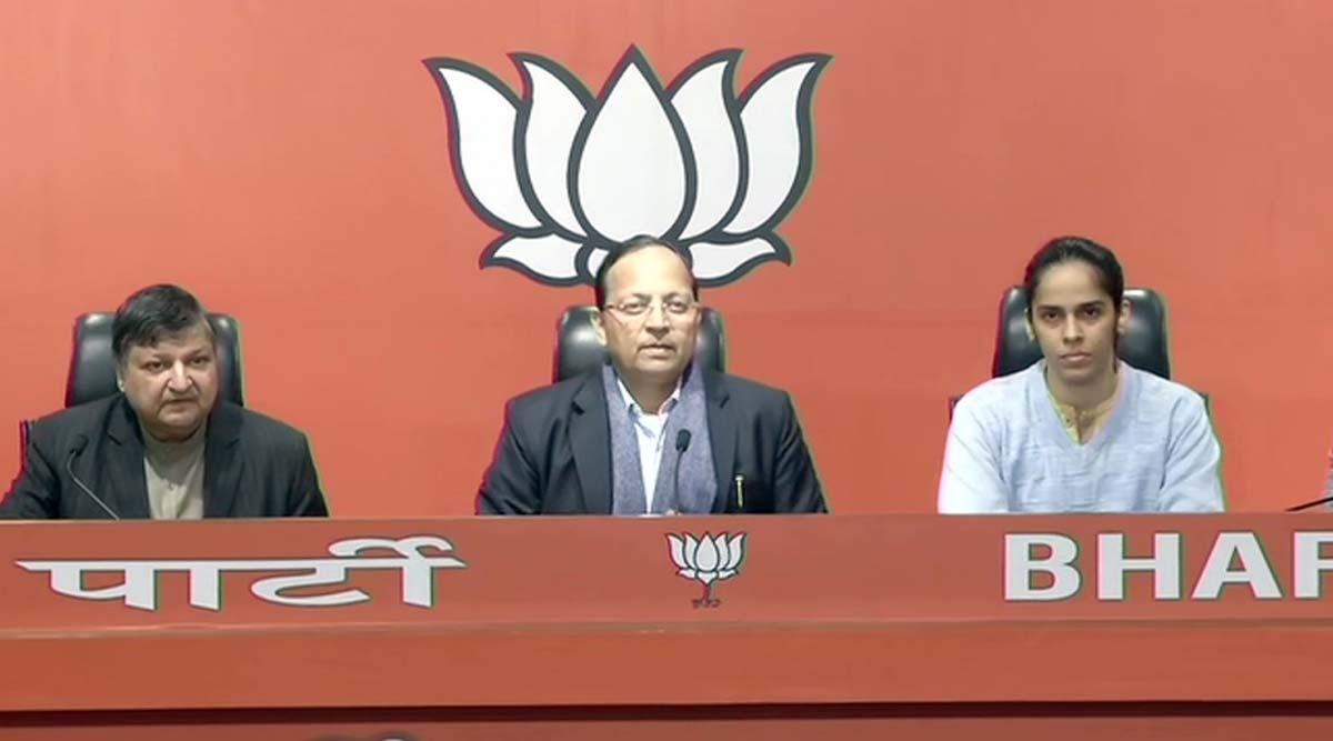 बीजेपी में शामिल होने के बाद बैडमिंटन स्टार साइना नेहवाल ने कहा- पीएम मोदी से प्रभावित होकर सियासत में आने का लिया फैसला
