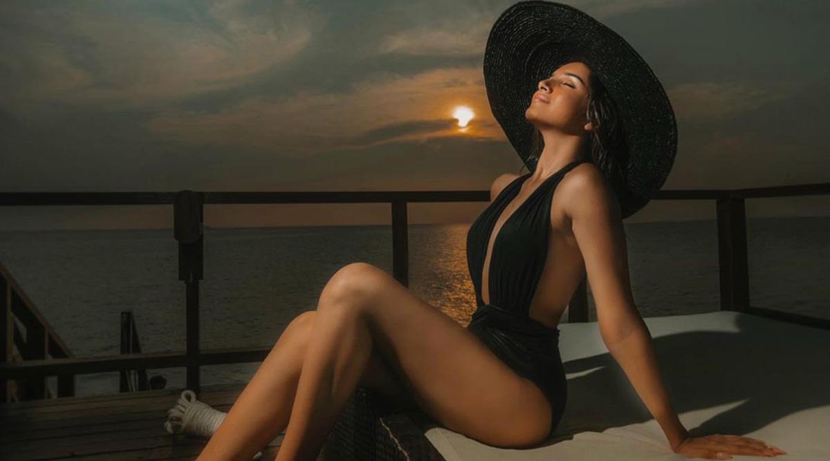 मरजांवा एक्ट्रेस तारा सुतारिया मालदीव से शेयर की सबसे Hot फोटो, Beachwear में आई नजर