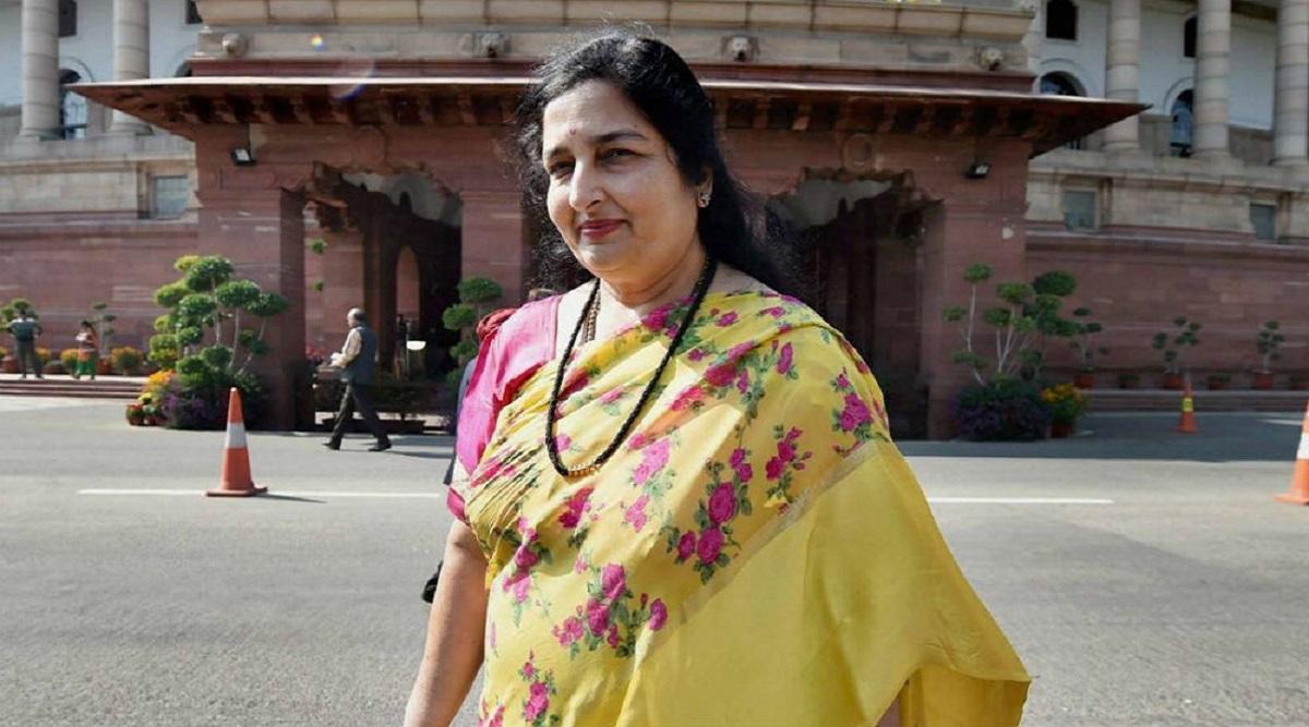 केरल की महिला का हैरान कर देने वाला दावा, अनुराधा पौडवाल को बताया अपनी मां,  केस दर्ज कर मांगे 50 करोड़ रूपए