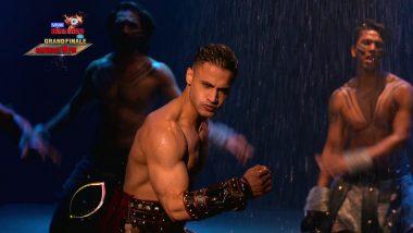 Bigg Boss 13 Grand Finale Sneak Peek 02 | 15 Feb 2020: Shirtless Asim Riaz ने बारिश में किया डांस