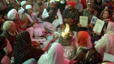 शाहीन बाग में नजर आई सौहार्द और सहिष्णुता की मिसाल, एक ही जगह पर हुई पूजा और अजान