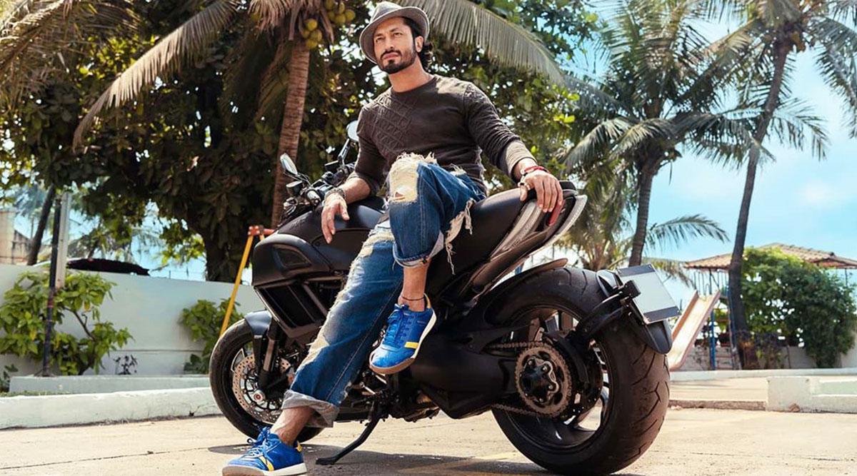 विद्युत् जामवाल को उनकी मैनेजर ने गिफ्ट की शानदार बाइक, देखें Video