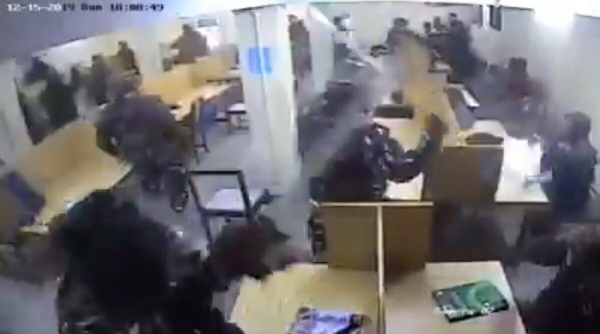 जामिया हिंसा: लाइब्रेरी के अंदर छात्रों पर डंडे बरसाती दिल्ली पुलिस का नया CCTV फुटेज आया सामने, अलग-अलग दावों के साथ वीडियो हुआ वायरल