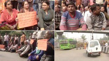 शाहीन बाग: बंद सड़कों को खोलने की मांग को लेकर सरिता विहार और जसोला विहार के लोगों ने किया विरोध प्रदर्शन