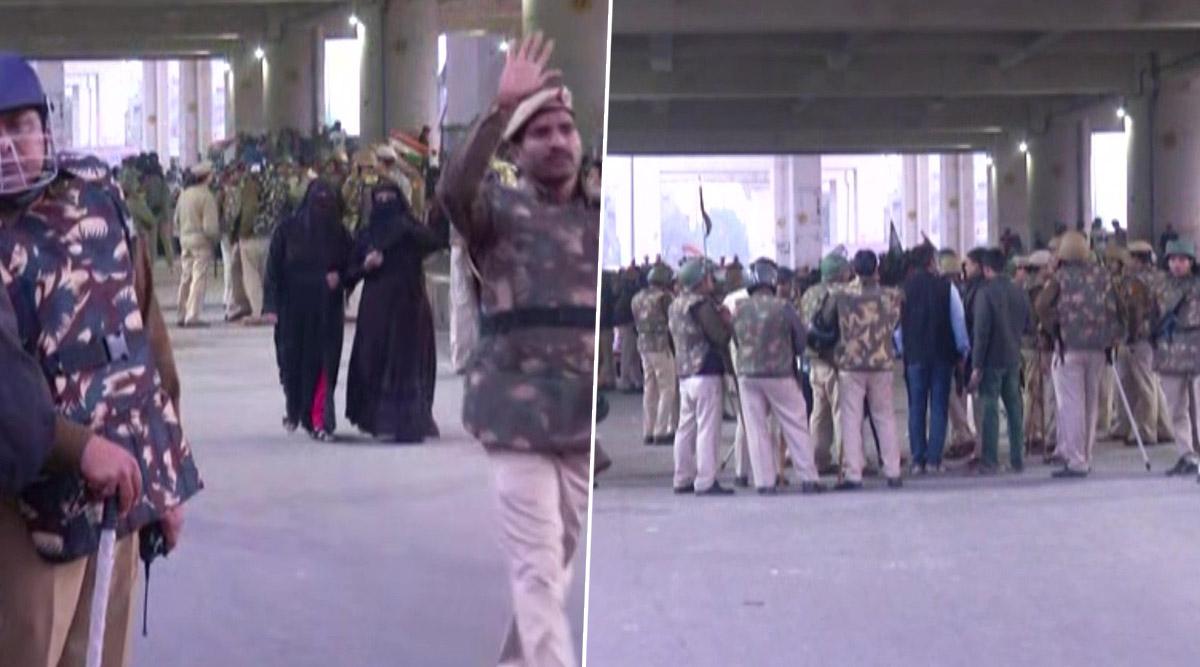 दिल्ली: शाहीन बाग के बाद अब जाफराबाद में CAA के खिलाफ महिलाओं का धरना प्रदर्शन, मेट्रो स्टेशन के पास बढ़ाई गई सुरक्षा