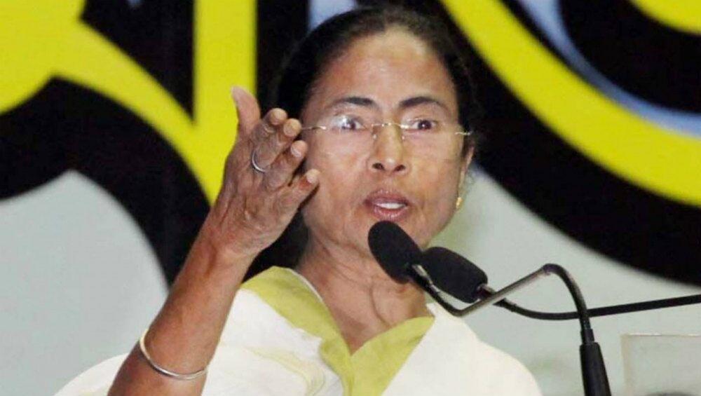 ममता बनर्जी ने मोदी सरकार पर कसा तंज, कहा-हमने बिना कुछ बेचेपेश किया आपसे बेहतर बजट