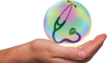 कोरोना वायरस से कितनी सुरक्षा प्रदान करती है आपकी हेल्थ इंश्योरेंस पॉलिसी?