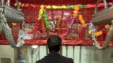 कोरोनावायरस का कहर: मंदिरों पर भी लगा पहरा, भगवान के दर्शन से श्रद्धालु हो रहे हैं महरूम