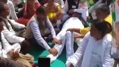 पटना: गांधी मैदान में JDU कार्यकर्ता सम्मलेन में विधायक कौशल यादव  लोगों से पैर दबवाते दिखें, वीडियो वायरल