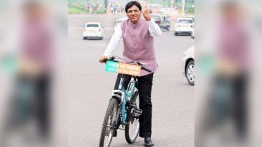 केंद्रीय मंत्री मनसुख मांडविया साइकिल से जाते हैं संसद