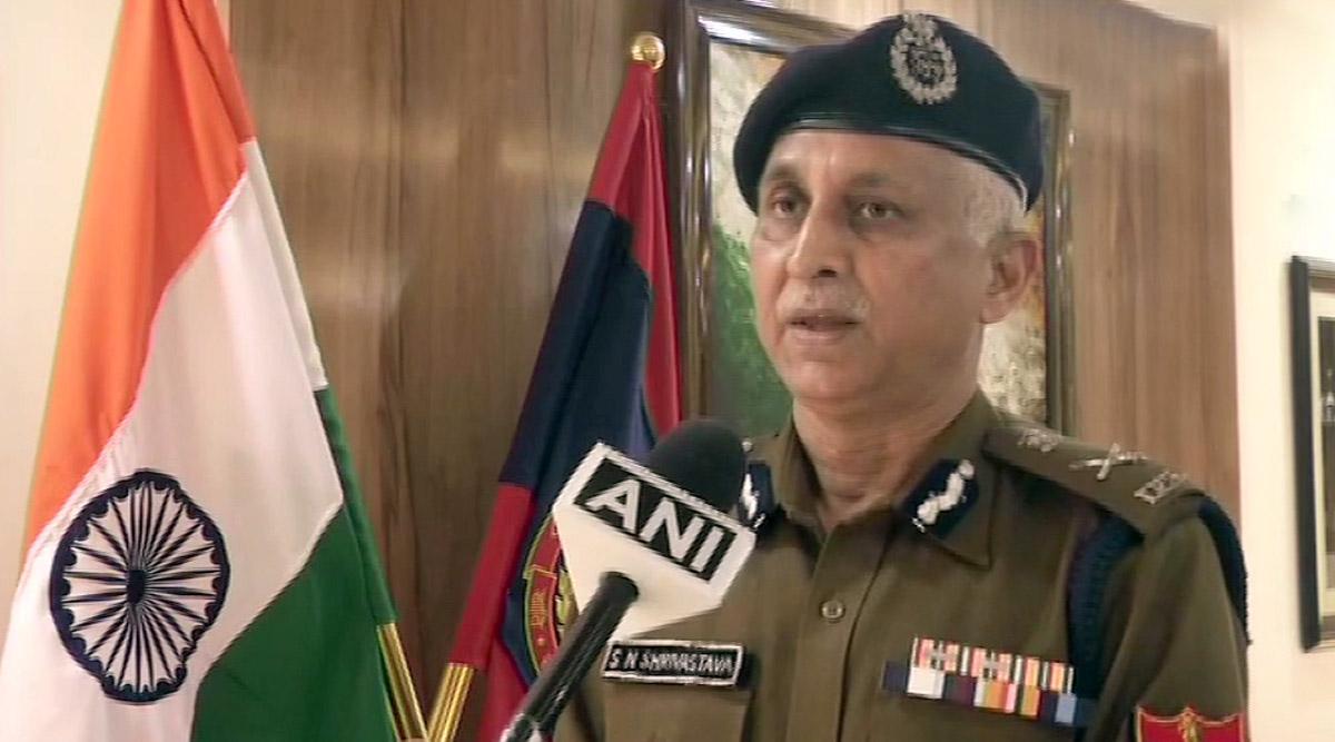 Coronavirus: दिल्ली पुलिस कमिश्नर एसएन श्रीवास्तव ने लोगों से की घरों में रहने की अपील, कारवाई के दिए संकेत