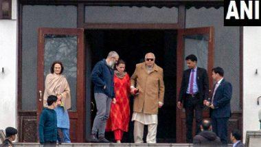 जम्मू-कश्मीर: फारूक अब्दुल्ला ने की बेटे उमर अब्दुल्ला से मुलाकात, PSA के तहत 7 महीने बाद हुए है नजरबंदी से रिहा