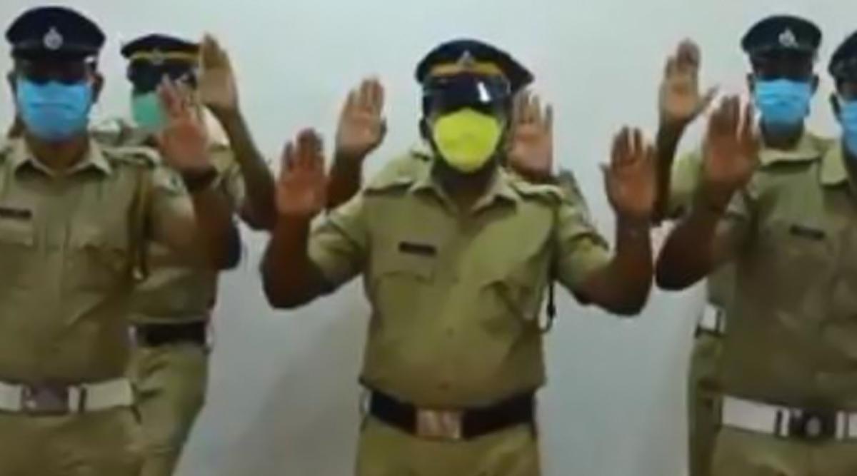 Coronvirus Scare: केरल पुलिस ने वीडियो जारी करके हाथों की साफ-सफाई के प्रति लोगों को किया जागरूक, WatchVideo