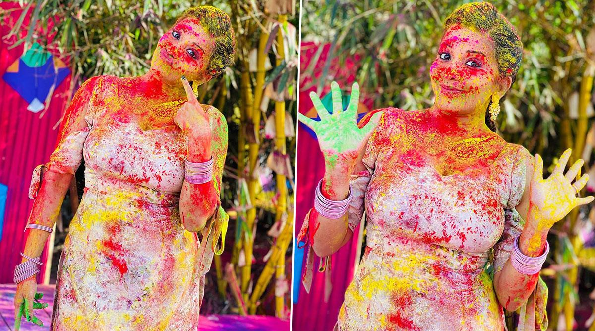 Monalisa Latest Photo:टीवी शो 'नागिन' की डायन ने शूटिंग सेट पर मनाई होली, मोनालिसा की लेटेस्ट फोटोआई सामने