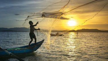 Karnataka: भारतीय तट रक्षक बल ने 10 मछुआरों के बचाया, मैंगलोर पोत पर फंसी नौका से किया गया रेस्क्यू