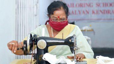 कोरोना वायरस से जंग: देश की फर्स्ट लेडी सविता कोविंद खुद सिल रही हैं मास्क