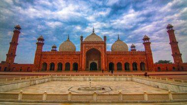 Ramadan 2020: लॉकडाउन को लेकर लापरवाह पाकिस्तान की इमरान सरकार, कोरोना संकट के बावजूद रमजान में खुली रहेंगी मस्जिदें