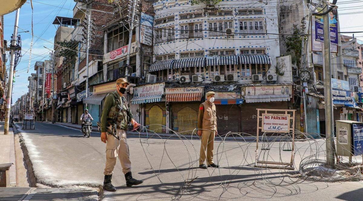 भारत में बढ़ सकती है लॉकडाउन की अवधि? जानें सरकार ने सोशल मीडिया मैसेजेस के दावों पर क्या कहा
