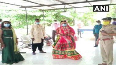 लॉकडाउन का उल्लंघन: गुजरात के नवसारी में 14 लोगों के खिलाफ केस दर्ज, मंदिर में शादी समारोह के लिए इकट्ठा हुए थे सब
