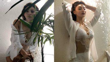 Urvashi Rautela Bold Photo: वाईट कलर की ड्रेस में उर्वशी रौतेला ने फ्लॉन्ट किया अपना परफेक्ट फिगर, Viral फोटो फैन्स को कर रही है घायल