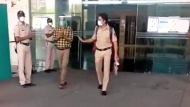 मुंबई पुलिस के 29 वर्षीय जवान ने कोरोना से जीती जंग, पुलिसवालों ने तालियां बजाकर किया स्वागत; देखें वीडियो