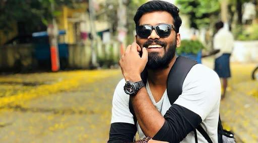साऊथ के मशहूर निर्देशक एवी अरुण प्रसाद की सड़क दुर्घटना में हुई मौत