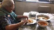 मुंबई में रहने वाली  99 साल की बुजुर्ग महिला ने पेश की इंसानियत की मिसाल, प्रवासी मजदूरों ने लिए तैयार कर रही हैं भोजन के पैकेट, देखे वीडियो