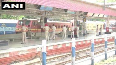 नई दिल्ली से आज भी रेलवे स्टेशन से रवाना होंगी 8 'स्पेशल ट्रेनें', यात्रियों के लिए वेटिंग टिकट की सुविधा शुरू