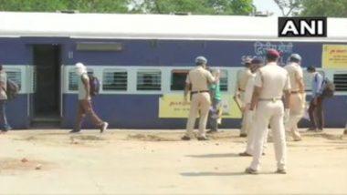 COVID-19 वैश्विक महामारी के बीच प्रवासी श्रमिकों को लेकर रात 8 बजे दिल्ली से रवाना होगी पहली विशेष ट्रेन