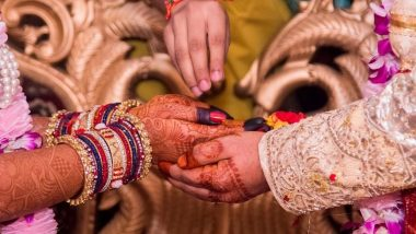 अनोखी प्रेम कहानी! कानपुर में लॉकडाउन के दौरान खाना बांटते-बांटते बेघर लड़की को दिल दे बैठा युवक, रचाई शादी