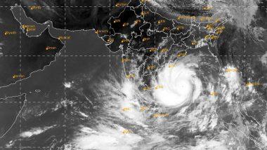 बांग्लादेश के ऊपर मंडरा रहा चक्रवाती तूफान 'अम्फान' का खतरा, कुछ घंटों में होगा कमजोर