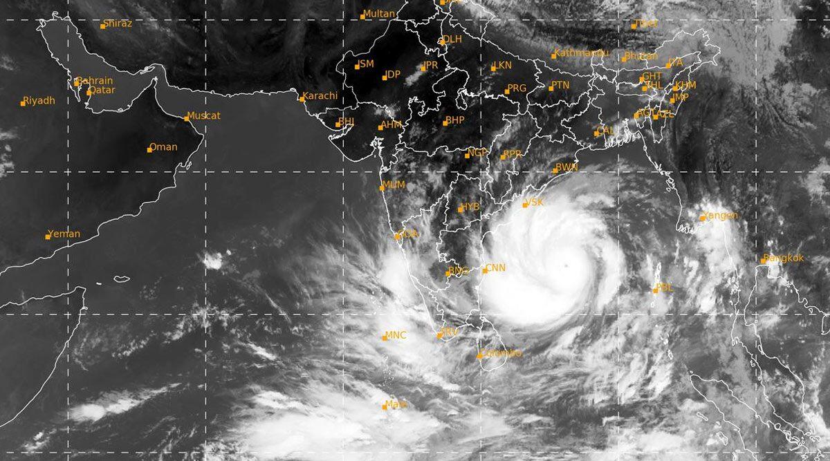 Cyclone Amphan: चक्रवात 'अम्फान' का प्रचंड प्रहार शुरू, ओडिशा के भद्रक-पारादीप समेत अन्य इलाकों में तेज हवाओं के साथ भारी बारिश, भूस्खलन की आशंका (Watch Videos)