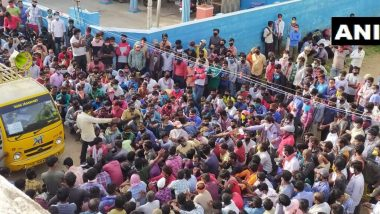 तमिलनाडु: कोयंबटूर में उमड़ा प्रवासी मजदूरों का सैलाब, श्रमिक स्पेशल ट्रेनों के पास लेने के लिए पहुंचे यूपी-बिहार के लोग