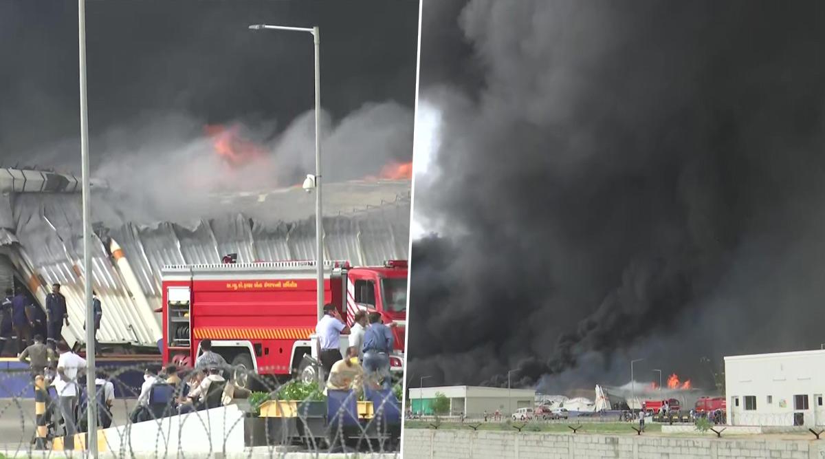 गुजरात: अहमदाबाद के साणंद में फैक्ट्री में लगी भीषण आग, फायर ब्रिगेड की 25 गाड़ियां  मौके पर पहुंची