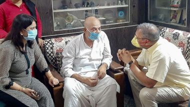 सुशांत सिंह राजपूत के घर पहुंचे नाना पाटेकर, एक्टर के परिवार संग पटना से सामने आई ये तस्वीर