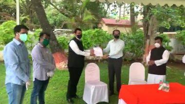 महाराष्ट्र: मुख्यमंत्री उद्धव ठाकरे से मिले पूर्व सीएम देवेंद्र फडणवीस, निसर्ग तूफान पीड़ितों के लिए मांगी मदद
