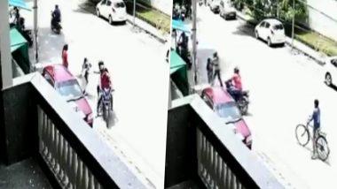 दिल्ली में बेखौफ अपराधी, ग्रेटर कैलाश इलाके में महिला से दिनदहाड़े गोल्ड की चेन लूटी, देखें VIDEO