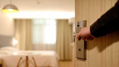 महाराष्ट्र: 8 जुलाई से राज्य में खुलेंगे होटल और लॉज, कंटेन्मेंट जोन में लागू रहेगी पाबंदी, सरकार ने जारी की गाइडलाइन