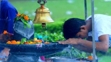 Sawan 2020: सावन का दूसरा सोमवार, सोशल डिस्टेंसिंग के साथ हो रही है भगवान शिव की पूजा