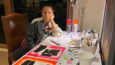 क्वारंटाइन का पूरा लाभ उठा रही है गौरी खान, पेंटिंग बनाते हुए वीडियो किया शेयर