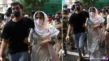 Sushant Singh Rajput Death Case: भाई शोविक चक्रवर्ती संग ED दफ्तर पहुंची रिया चक्रवर्ती, मनी लॉन्डरिंग केस में चल रही है पूछताछ