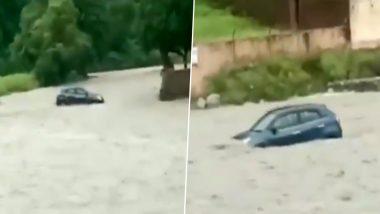 Uttar Pradesh Rain Updates: भारी बारिश के चलते यूपी के सहारनपुर में श्री शाकुंभरी देवी मंदिर परिसर हुआ जलमग्न, पानी में बहती दिखी कार (Watch Video)