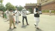 Farm Bills Protests: किसान बिल को लेकर संसद परिसर में गुलाम नबी आजाद, डेरेक ओ ब्रायन, जया बच्चन समेत विपक्षी पार्टियों के नेता ने किया विरोध प्रदर्शन, Watch Video