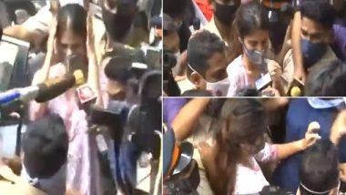 Sushant Singh Rajput Case: Rhea Chakraborty को NCB दफ्तर के बाहर मीडिया ने घेरा, NCW की अध्यक्षा रेखा शर्मा ने ट्वीट कर मीडिया पर उठाए सवाल