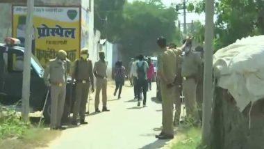 Hathras Gangrape Case: हाथरस पीड़ित परिवार की सुरक्षा में तैनात हुए 80 सीआरपीएफ जवान, कमांडेंट मनमोहन सिंह पीड़िता के परिजनों के साथ की थी मुलाकात