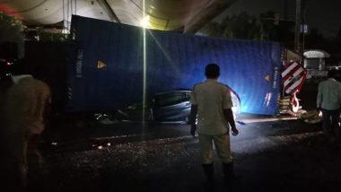 दिल्ली: लाजपत नगर इलाके में कार पर गिरा ट्रक, 2 व्यक्तियों की हुई मौत